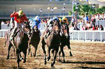 horse racing at the Hipodromo